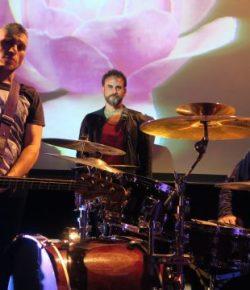 Antonio Fidel y los Navegantes ponen musica al inicio del festival poetico Deslinte