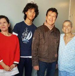 El emocionante gesto de Manolo García con una fan coruñesa hospitalizada