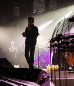 El concierto íntimo y multitudinario de Manolo García