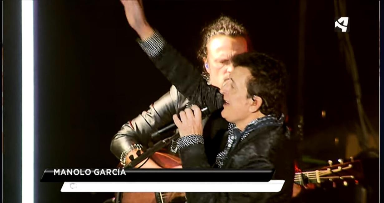 Manolo García llenó la Sala Mozart de Zaragoza, con su primera gira en acústico.