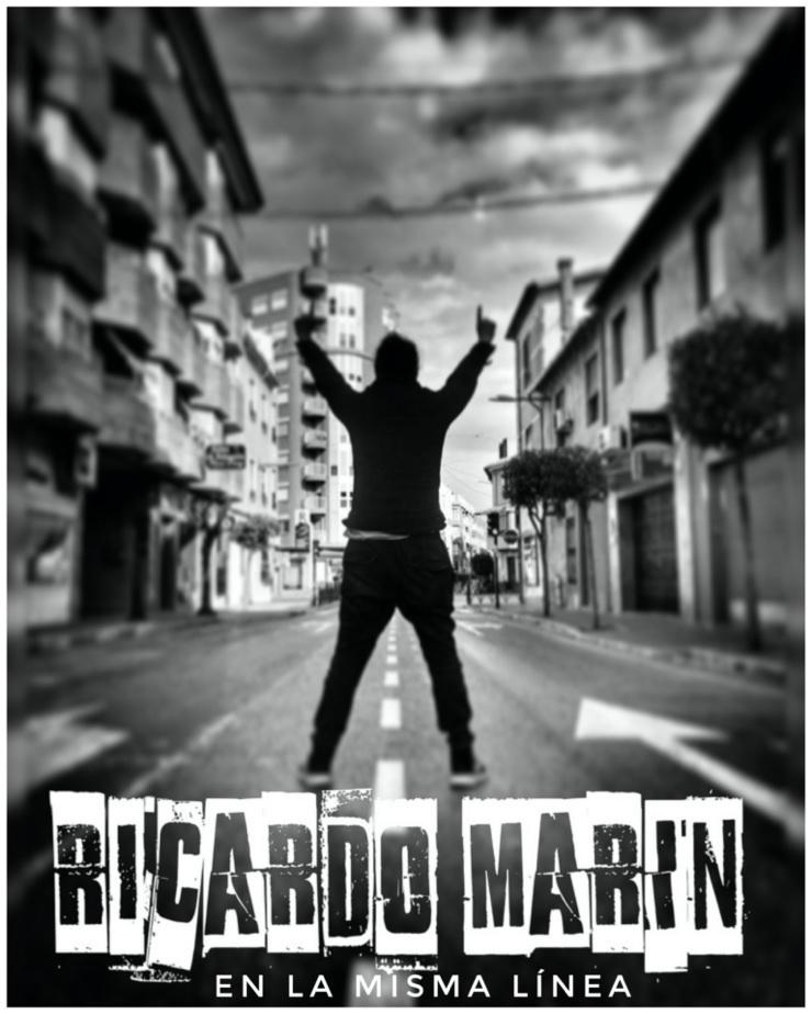 En la misma línea, de Ricardo Marín
