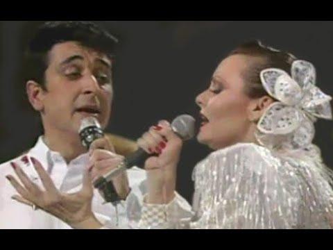 Manolo García y Rocío Durcal: Siempre estoy pensando en tí (1990)